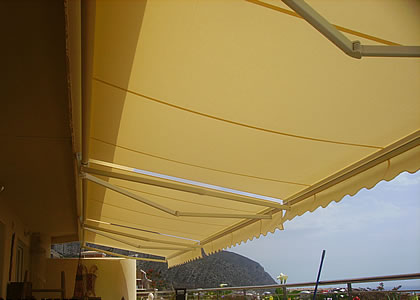 pic_invisible_arm_awnings sunblinds